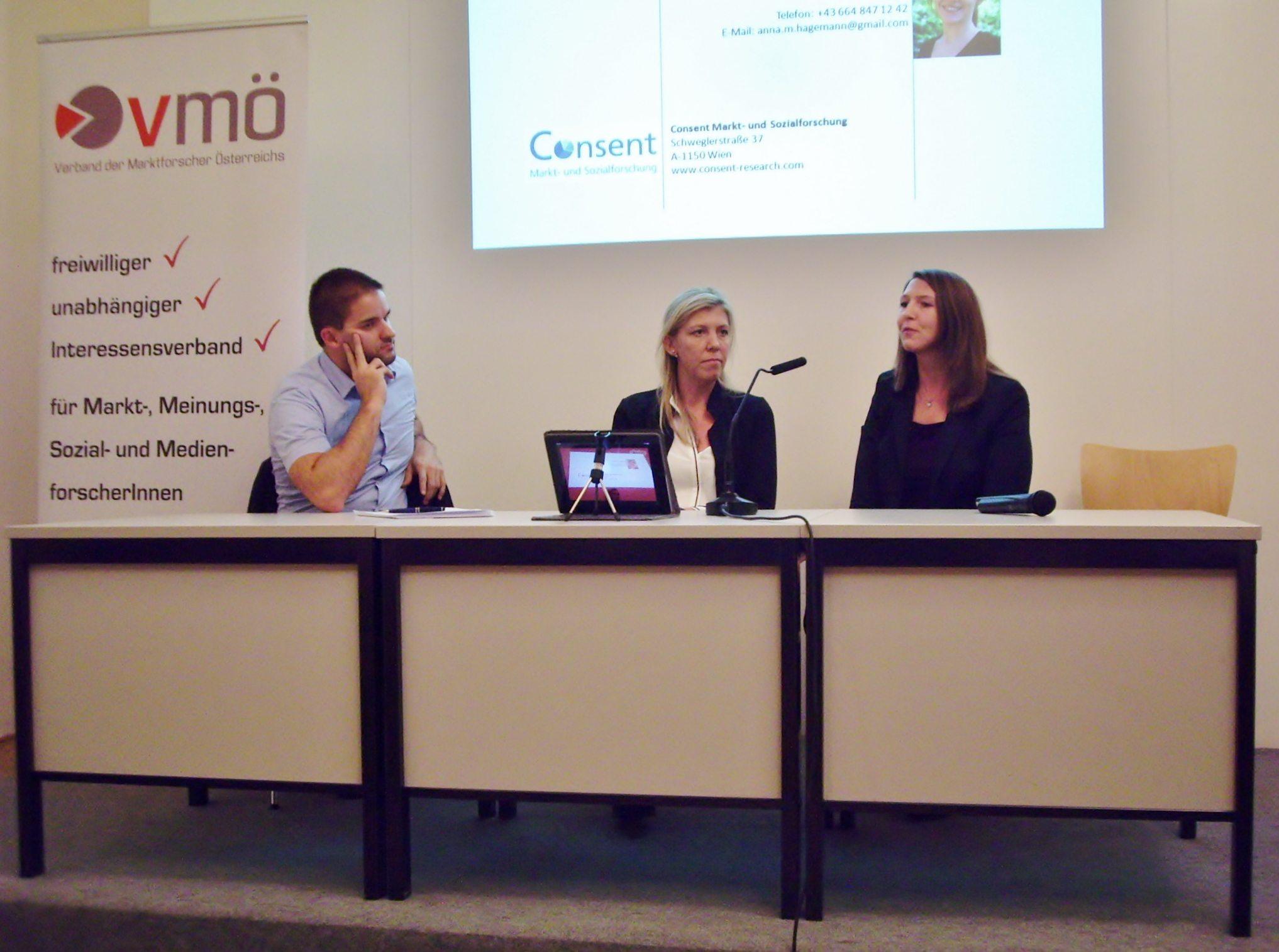 Gruppendiskussion: Christian Führer, Barbara Kastlunger, Sabine Beinschab (v.l.n.r.) © comrecon
